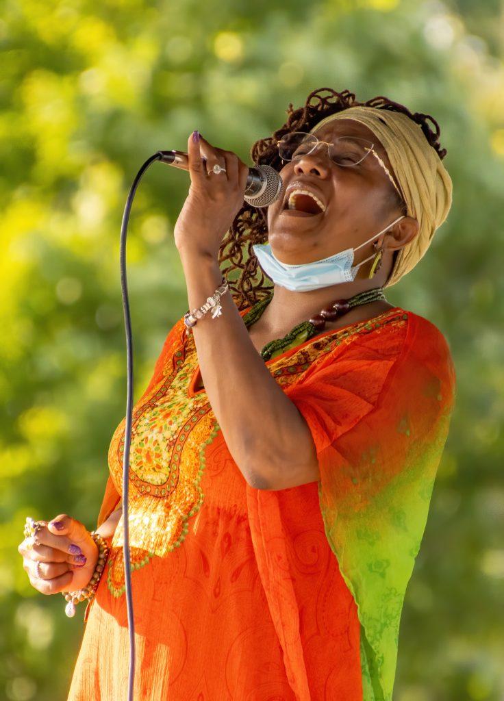 Theresa Wright sings at Easton Juneteenth Celebration - Tomas Koeck photo